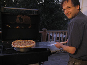 pizza grill with pizza disk and pan