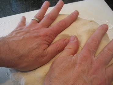 shape pizza dough